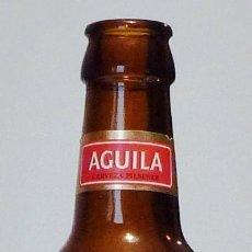 Coleccionismo de cervezas: BOTELLA CERVEZA ÁGUILA PILSENER 20 CL - VACÍA. Lote 148913626