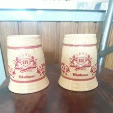Coleccionismo de cervezas: PAREJA DE JARRAS MAHOU 1890. Lote 151251018