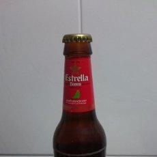 Coleccionismo de cervezas: BOTELLA CERVEZA ESTRELLA DAMM DESAFIO ESPAÑOL 2007 CHAPA Y LIQUIDO ORIGINAL. Lote 155799118