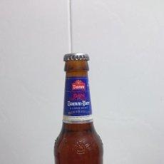 Coleccionismo de cervezas: BOTELLA CERVEZA DAMM-BIER SIN 0,0% ALCOHOL Y LIQUIDO ORIGINAL. Lote 155800506