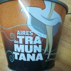 Coleccionismo de cervezas: CUBO CERVEZA ARTESANAL AIRES DE TRAMUNTANA GIRONA. Lote 159181386