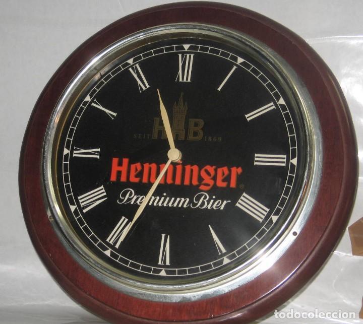 RELOJ PARED HENNINGER (Coleccionismo - Botellas y Bebidas - Cerveza )
