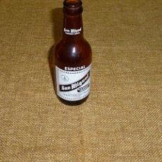 Coleccionismo de cervezas: ANTIGUA BOTELLA 1/5 DE CERVEZA SAN MIGUEL - ESPECIAL LERIDA.18 CM.. Lote 169469636
