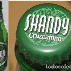Coleccionismo de cervezas: BOTELLA GIGANTE SHANDY CRUZCAMPO. Lote 171199308