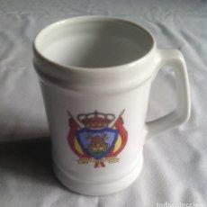 Coleccionismo de cervezas: JARRA MILITAR MACTAE. UIR-D3. ISLA DE LAD PALOMAS. TARIFA.13 CM.. Lote 173353075