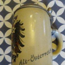 Coleccionismo de cervezas: JARRA PARA CERVEZA TIPO ALEMANA CON TAPA. Lote 176774898