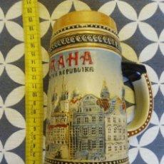 Coleccionismo de cervezas: JARRA PARA CERVEZA TIPO ALEMANA . Lote 176775252