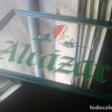 Coleccionismo de cervezas: CERVEZAS - EL ALCÁZAR, JAÉN - ANTIGUO ESPEJO PUBLICITARIO - AÑOS 80/90 - PIEZA ICÓNICA. Lote 180256190