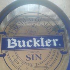 Coleccionismo de cervezas: BUCKLER - CERVEZA SIN - ANTIGUO ESPEJO PUBLICITARIO - MUY BONITO Y DECORATIVO - GRAN TAMAÑO . Lote 180338878