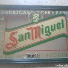 Coleccionismo de cervezas: CERVEZA - SAN MIGUEL - ANTIGUO ESPEJO PUBLICITARIO - CON SU ENMARCACIÓN ORIGINAL DE ÉPOCA. Lote 180346340