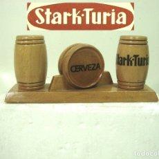 Coleccionismo de cervezas: STARK TURIA- ANTIGUO SERVILLETERO PALILLERO MADERA BARRIL - CERVEZA BAR HOSTELERIA VALENCIA. Lote 180439086