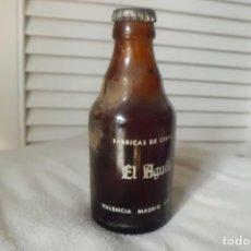 Coleccionismo de cervezas: BOTELLIN PRECINTADO 20 CL. CERVEZA EL AGUILA, SIN ABRIR DESDE AÑOS 60. Lote 184142728