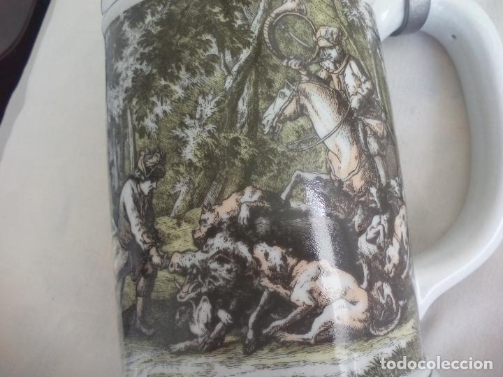 Coleccionismo de cervezas: JARRA DE CERVEZA ALEMANA CON TAPA, CON ESCENAS DE CAZA. DIE SCHIVEINS SAFT. PORCELANA - Foto 7 - 186198452