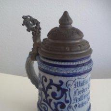 Coleccionismo de cervezas: JARRA DE CERVEZA ALEMANA CON TAPA, MÄSSIG TRINKEN LIEDER SINGEN HALF VON JE ZU GUTEN DINGEN. Lote 186198601