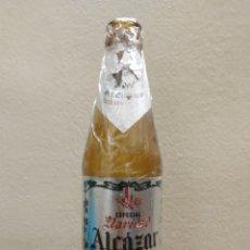 Coleccionismo de cervezas: TERCIO DE CERVEZA ALCAZAR GOLDEN ESPECIAL NAVIDAD.. Lote 187388533