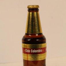 Coleccionismo de cervezas: BOTELLA DE CERVEZA CLUB COLOMBIA DORADA. Lote 195252053