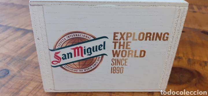 Coleccionismo de cervezas: SAN MIGUEL EXPLORING THE WORLD /0,0 - SERVILLETERO DE MADERA - CERVEZA LLEIDA - Foto 2 - 195390098