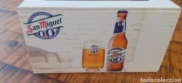 Coleccionismo de cervezas: SAN MIGUEL EXPLORING THE WORLD /0,0 - SERVILLETERO DE MADERA - CERVEZA LLEIDA - Foto 3 - 195390345