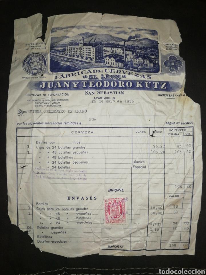 FACTURA CERVEZAS EL LÉON 1956,CON SELLO. SAN SEBASTIÁN. GIPUZKOA. JUAN Y TEODORO KUTZ. (Coleccionismo - Botellas y Bebidas - Cerveza )