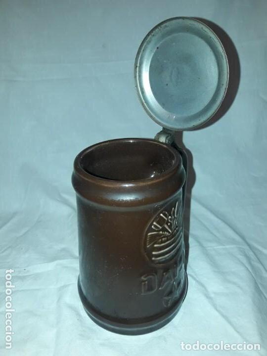 Coleccionismo de cervezas: Jarra de cerveza con tapa Damm 1876, GM Montgat - Foto 3 - 203458978