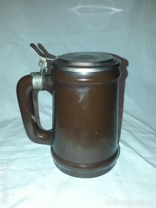 Coleccionismo de cervezas: Jarra de cerveza con tapa Damm 1876, GM Montgat - Foto 4 - 203458978