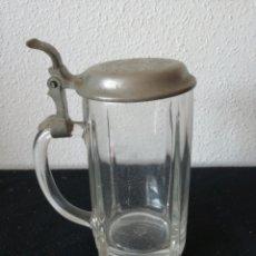 Coleccionismo de cervezas: JARRA DE CERVEZA CON TAPA. Lote 206897661