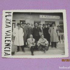 Coleccionismo de cervezas: ANTIGUA FOTOGRAFÍA DEL CONSEJO DE ADMINISTRACIÓN DE CERVEZAS EL AGUILA EN VALENCIA AÑO 1944. Lote 217260733
