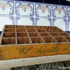 Coleccionismo de cervezas: ANTIGUA CAJA DE CERVEZAS EL ÁGUILA. Lote 218341647