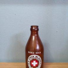 Coleccionismo de cervezas: MUY RARA ANTIGUA BOTELLA DE CERVEZA LA CRUZ BLANCA DOBLE BOCK ESPECIAL. Lote 219603792