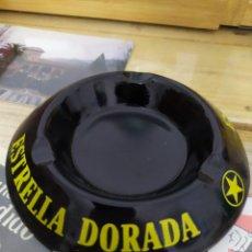 Coleccionismo de cervezas: ANTIGUO CENICERO ESTRELLA DORADA DAMM PORCELANA CERAMICA. Lote 221802306