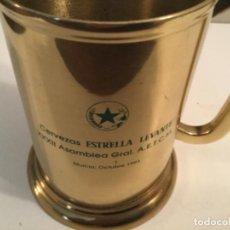 Collezionismo di birre: JARRA DE CERVEZA ESTRELLA DE LEVANTE METALICA. ASAMBLEA GENERAL A.E.T.C.M MURCIA 1993. Lote 221875885