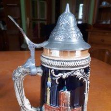 Coleccionismo de cervezas: JARRA CERVEZA ALEMANA CON TAPA. Lote 221973946