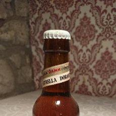 Coleccionismo de cervezas: ANTIGUA BOTELLA / BOTELLÍN DE CERVEZA ESRELLA DORADA DAMM SIN ESTRENAR DE CRISTAL DE LOS AÑOS 70. Lote 222289670