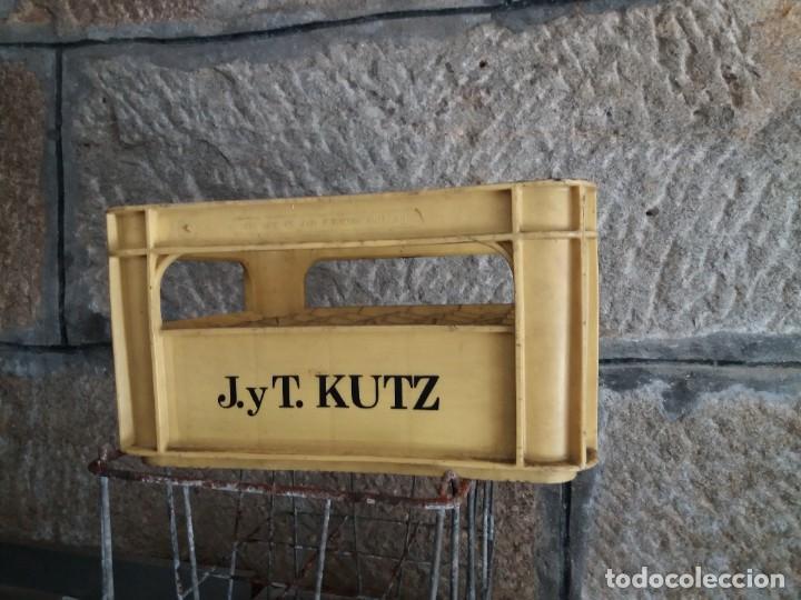 ANTIGUA CAJA DE CERVEZA J Y T KUTZ. CERVEZAS KELER. ÚNICA EN TC (Coleccionismo - Botellas y Bebidas - Cerveza )