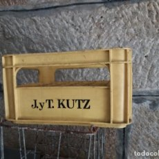 Coleccionismo de cervezas: ANTIGUA CAJA DE CERVEZA J Y T KUTZ. CERVEZAS KELER. ÚNICA EN TC. Lote 222656648
