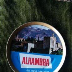 Coleccionismo de cervezas: POSAVASOS ANTIGUO CERVEZA ALHAMBRA. Lote 233857345