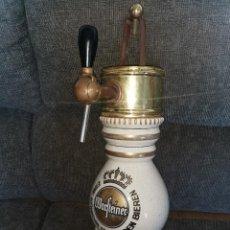 Coleccionismo de cervezas: GRIFO DE PORCELANA Y BRONCE CERVEZA WARFTEINER. AÑOS 70. Lote 234333785