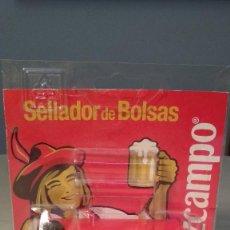 Coleccionismo de cervezas: SELLADOR DE BOLSAS CRUZCAMPO. NUEVO, SIN USO.. Lote 240073325