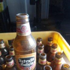 Coleccionismo de cervezas: LOTE DE 30. BOTELLÍN ESTRELLA GALICIA. 20 CL. INCLUYE CAJA. ETIQUETA EN BUEN ESTADO. ANTIGUAS.. Lote 254875525