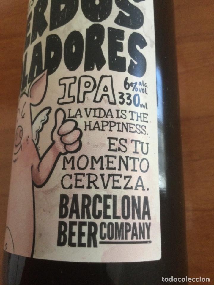 Coleccionismo de cervezas: Botella de Cerveza Cerdos Voladores 330 cl, Llena y con su Chapa Corona - Foto 3 - 262589790