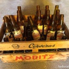 Coleccionismo de cervezas: CAJA CERVEZA MORITZ. BOTELLA CERVEZA MORITZ. Lote 269241588