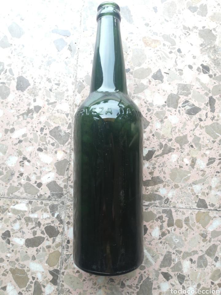 Coleccionismo de cervezas: Cerveza Damm, hombros y letras con relieve, grande - Foto 4 - 270225023