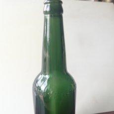 Coleccionismo de cervezas: CERVEZA DAMM, HOMBROS Y LETRAS CON RELIEVE, GRANDE. Lote 270225023