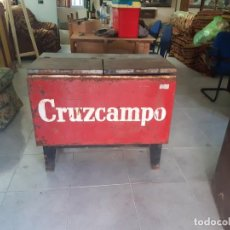 Coleccionismo de cervezas: ANTIGUA FRESQUERA CRUZCAMPO. Lote 287327668