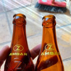 Coleccionismo de cervezas: ANTIGUAS BOTELLAS DE CERVEZA LA ZARAGOZANA AMBAR,CON Y SIN RELIEVE, QUINTOS. Lote 287485693
