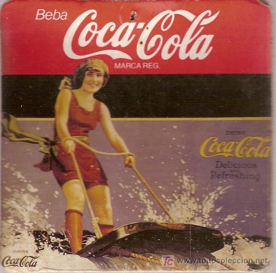 GRUESO POSAVASOS DE COCA-COLA. DE CARTÓN Y CORCHO. (Coleccionismo - Botellas y Bebidas - Coca-Cola y Pepsi)