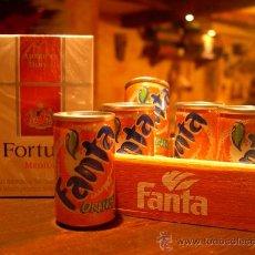 Coleccionismo de Coca-Cola y Pepsi: CAJON DE MADERA CON 6 LATITAS DE FANTA. Lote 33447858