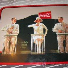 Coleccionismo de Coca-Cola y Pepsi: QUEX PUBLICIDAD COCA COLA - CARTEL TAPETE METALICO DE COCA COLA. Lote 37427567