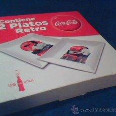 Coleccionismo de Coca-Cola y Pepsi: COCA COLA. 2 PLATOS RETRO. 125 AÑOS. MUY BONITOS. 20 X 20 CMS. CADA UNO. DECORADOS CON PRECIOSOS DIB. Lote 44711277