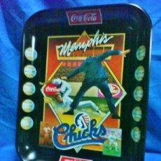 Coleccionismo de Coca-Cola y Pepsi: BANDEJA METAL - COCA-COLA - OFICIAL - EEUU - MEMPHIS CHICKS / BEISBOL - VER FOTOS - AÑO 1984. Lote 36962437